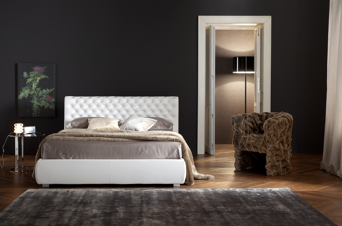 Idee per arredare la camera da letto interior design low - Idee parete camera da letto ...